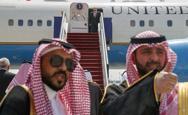 24 июня 2019. Госсекретарь США Майк Помпео прибывает в Саудовскую Аравию