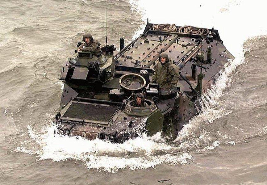 ВС Бразилии намерены модернизировать бронемашины AAV-7A1