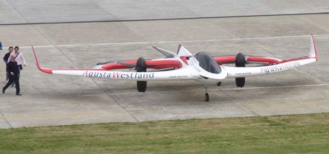Электрический вертолет с наклонным роторным двигателем компании Agusta Westland.