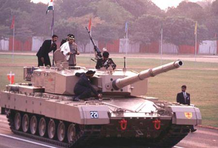 Arjun (Арджун) - основной боевой танк Индии