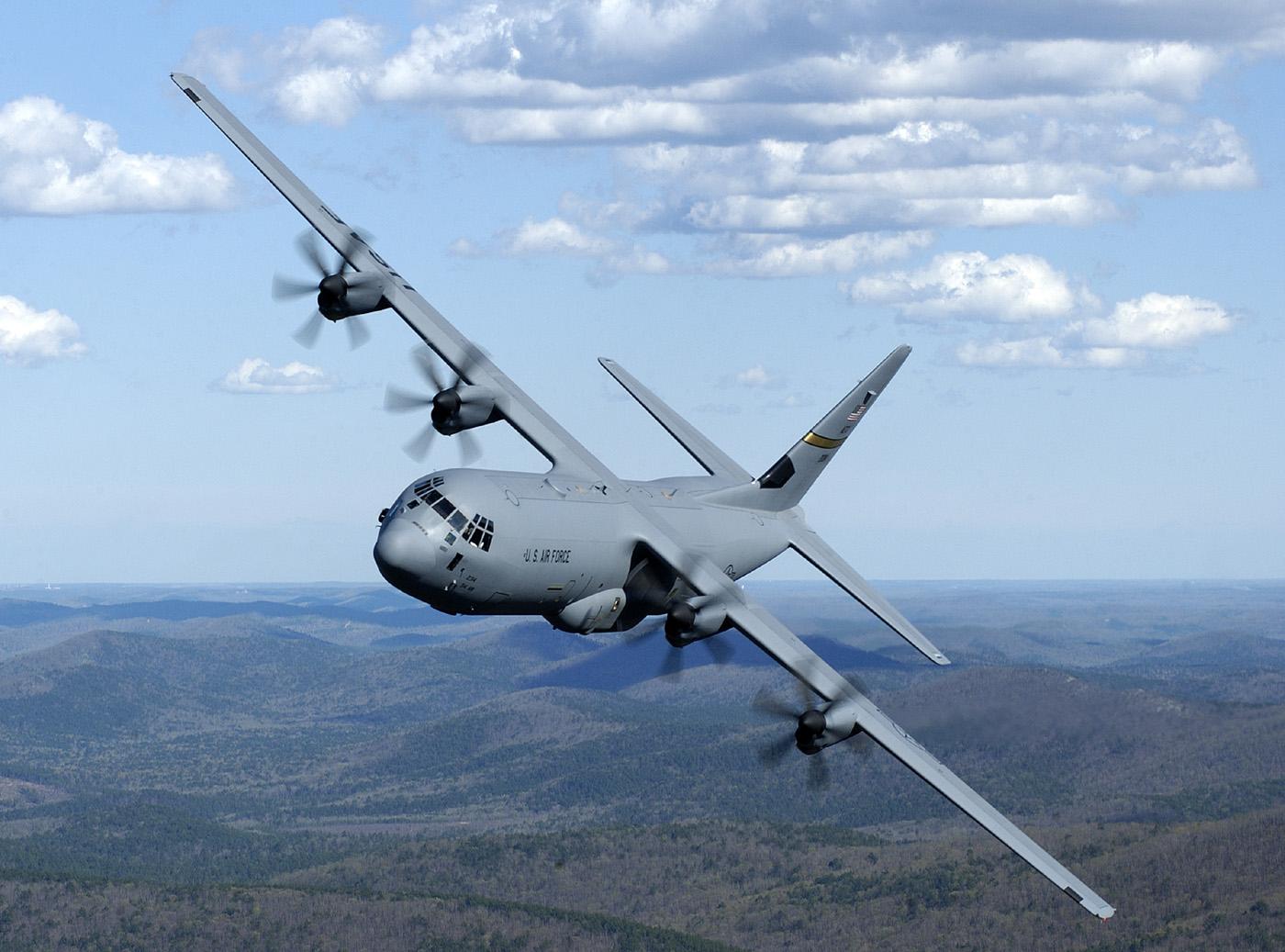 Транспортный самолет С-130J Super Hercules. Источник: nosint.blogspot.com