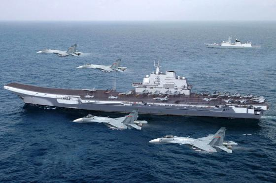 Chinese_aircraft_carrier_ex-Varyag_001