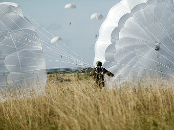 D-10_parashut