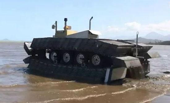 Разработка DARPA танк CAAT с наполненными воздухом гусеницами. Источник: dvice.com.