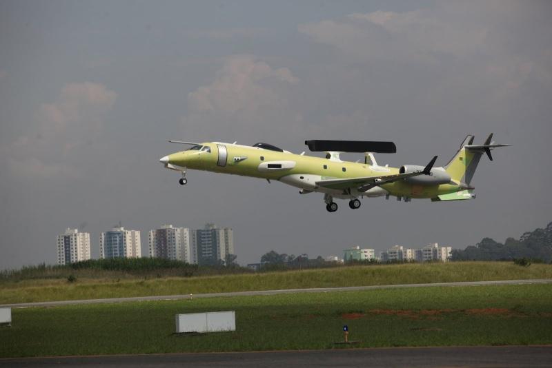 Бразильский ДРЛОиУ EMB-145I для ВВС Индии. Источник: livefist.blogspot.in.