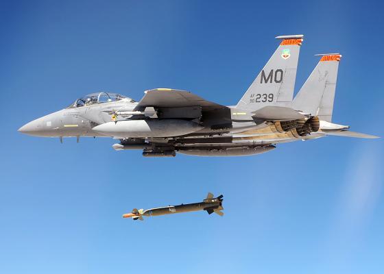 F-15E_drops_GBU-28