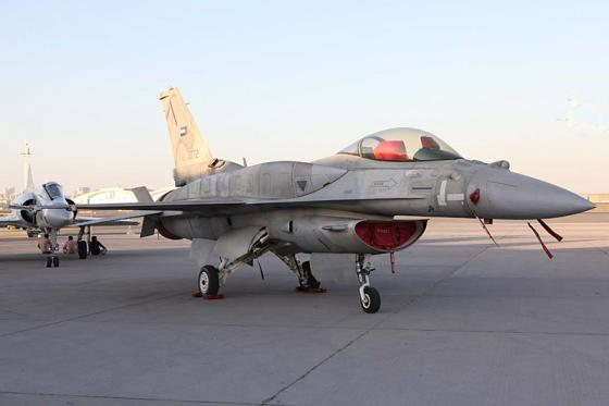 F-16_Fighting_Falcon