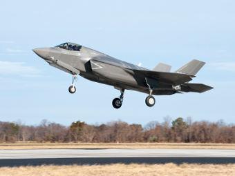 Взлет F-35 под управлением британского пилота. Фото пресс-службы Lockheed Martin