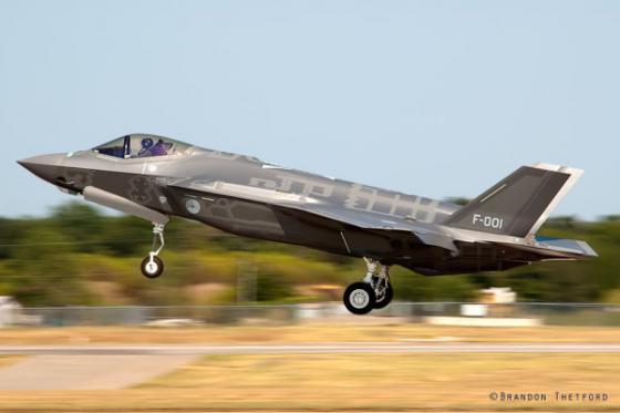 F-35_F-001
