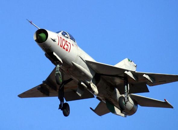 Китайский истребитель F-7BGI (деривация МиГ-21). Источник: xinjunshi.com.