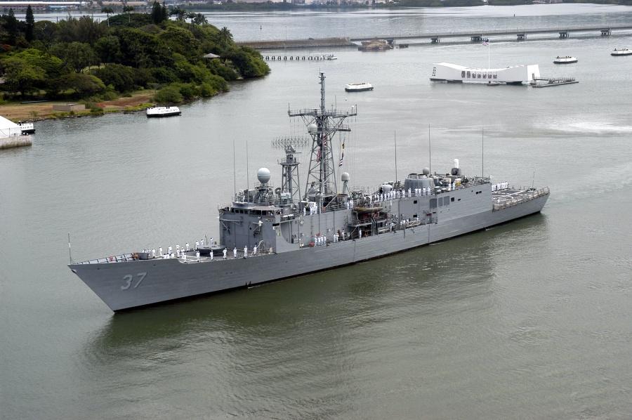 фрегат USS Curts (FFG-37). Фото: www.meretmarine.com.