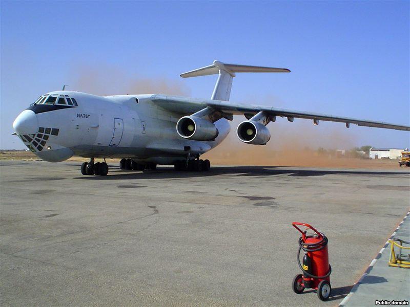 Военно-транспортный самолет Ил-76 (Россия). Фото: www.dogswar.ru.