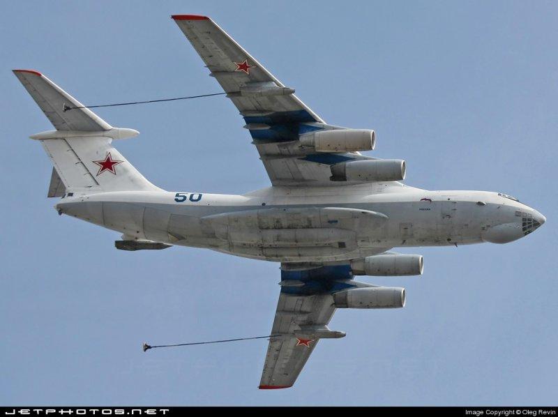 Самолет-заправщик Ил-78. .