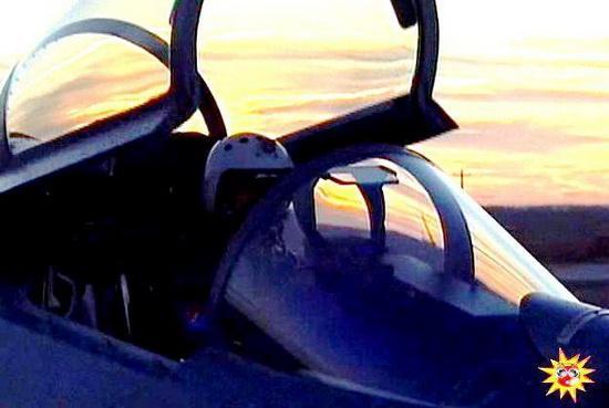"""Китаский многоцелевой всепогодный истребитель J-11 """"Дзянь-11"""", являющийся копией Су-27"""