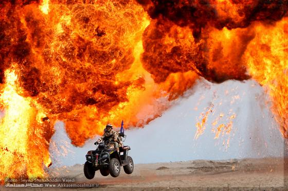 Iranian_motorcyclists_004