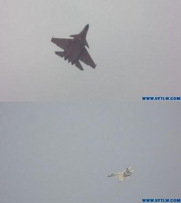 Испытательный полет китайского палубного истребителя J-15.