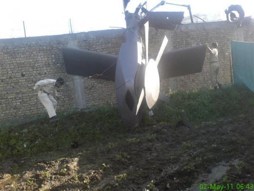Американский вертолет, разбившийся при посадке во время операции по захвату Осамы бин Ладена.