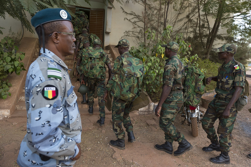 Военнослужащие армии Мали. Источник: www.sensusnovus.ru.