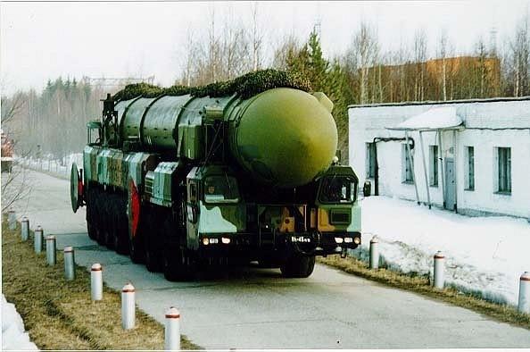 """Ракетный комплекс РС-12М, """"Тополь"""" (SS-25, Sickle). Источник: ruzhany.narod.ru."""