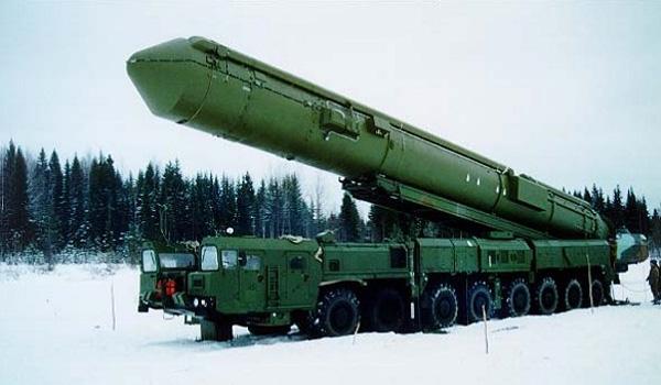 """PC-24 """"Ярс"""" - российская твердотопливная межконтинентальная баллистическая ракета мобильного базирования с разделяющейся головной частью."""