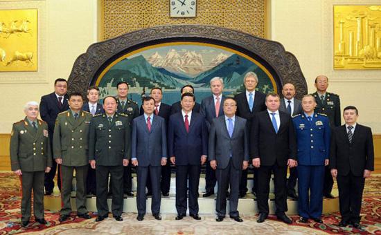 Министры обороны ШОС  источник http://www.militaryparitet.com/.