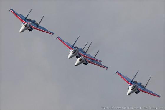 Su-27_vityazi_002