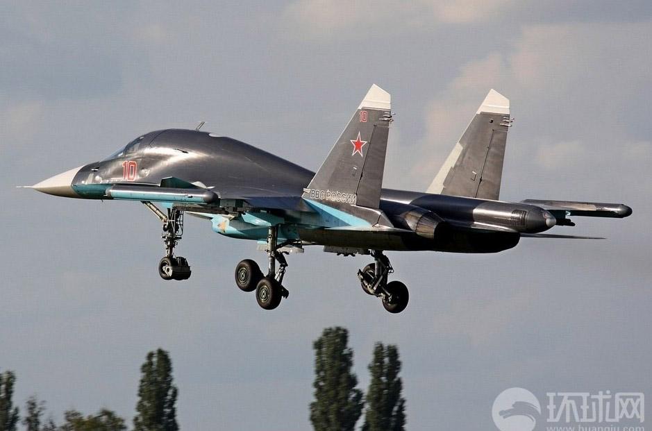 Фронтовой бомбардировщик Су-34. Источник: english.people.com.cn