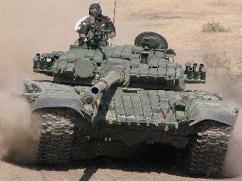 Индийский Т-72. Фото с сайта militaryphotos.net
