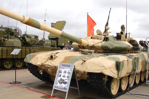 Модернизированный Т-72 (Россия, Уралвагонзавод) на международной выставке вооружения и военно-технического имущества «КАДЕКС-2012».<br>Фото предоставлено ОАО &quot;НИИ Стали&quot;.