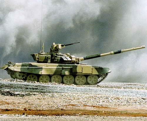 Танк Т-90С на полигоне во время первой Международной выставки в Нижнем Тагиле. Источник: history.ntagil.ru