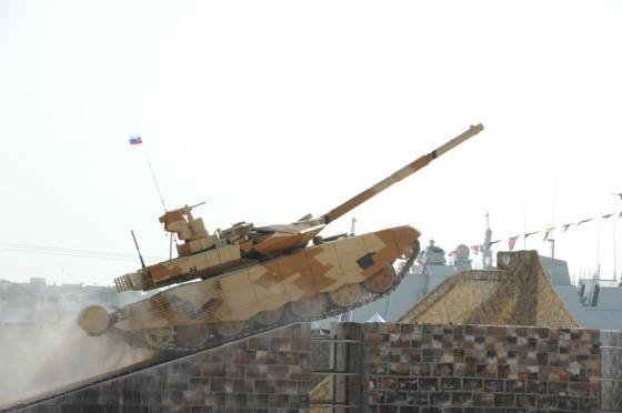 T-90SM_in_IDEX-2013_005