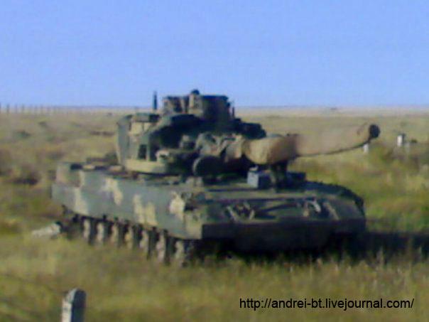 Т-95 (по некоторым данным, на фото изображен прототип танка образца 2000-го года или даже более раннего периода).