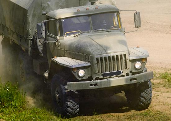 Автомобиль Урал-4320.