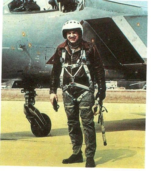 Летчик-испытатель Як-141 А. Синицын.