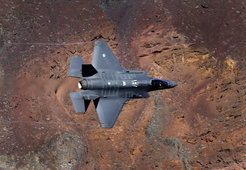 Стелс-истребитель F-35A Lightning II разработки компании Lockheed Martin.