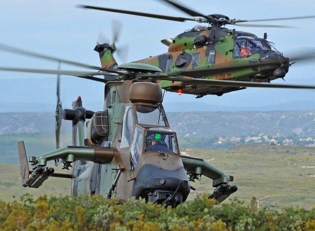 Ударный вертолет Tiger и многоцелевой NH90 Caman французской армии.