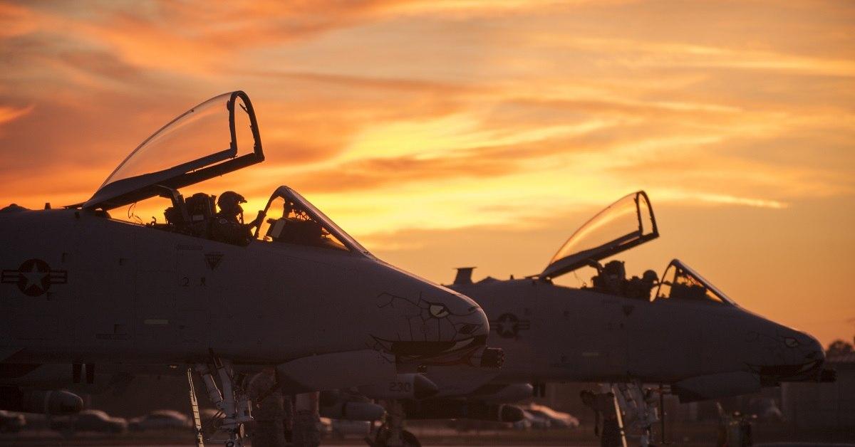"""Пилоты A-10C """"Warthog"""" готовятся к взлету во время операции Guardian Blitz, 23 января 2018 года, на базе ВВС MacDill, штат Флорида (Фото: Air National Guard)."""