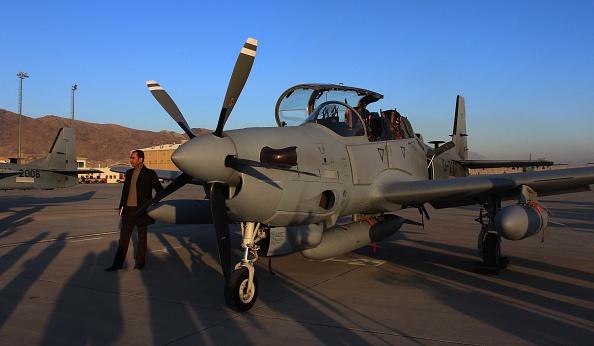 Первые турбовинтовые легкие штурмовики Embraer A-29А (EMB-314) Super Tucano, полученные ВВС Афганистана от США в счет военной помощи. Баграм, 15.01.2016.