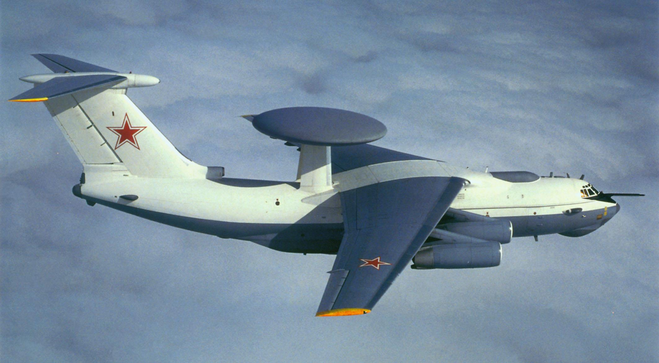 Самолет дальнего радиолокационного обнаружения и управления (ДРЛОиУ) А-50Э