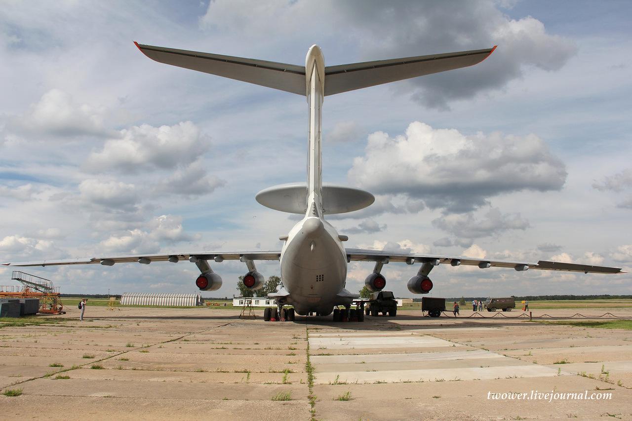 Самолет дальнего радиолокационного обнаружения А-50У - вид сзади