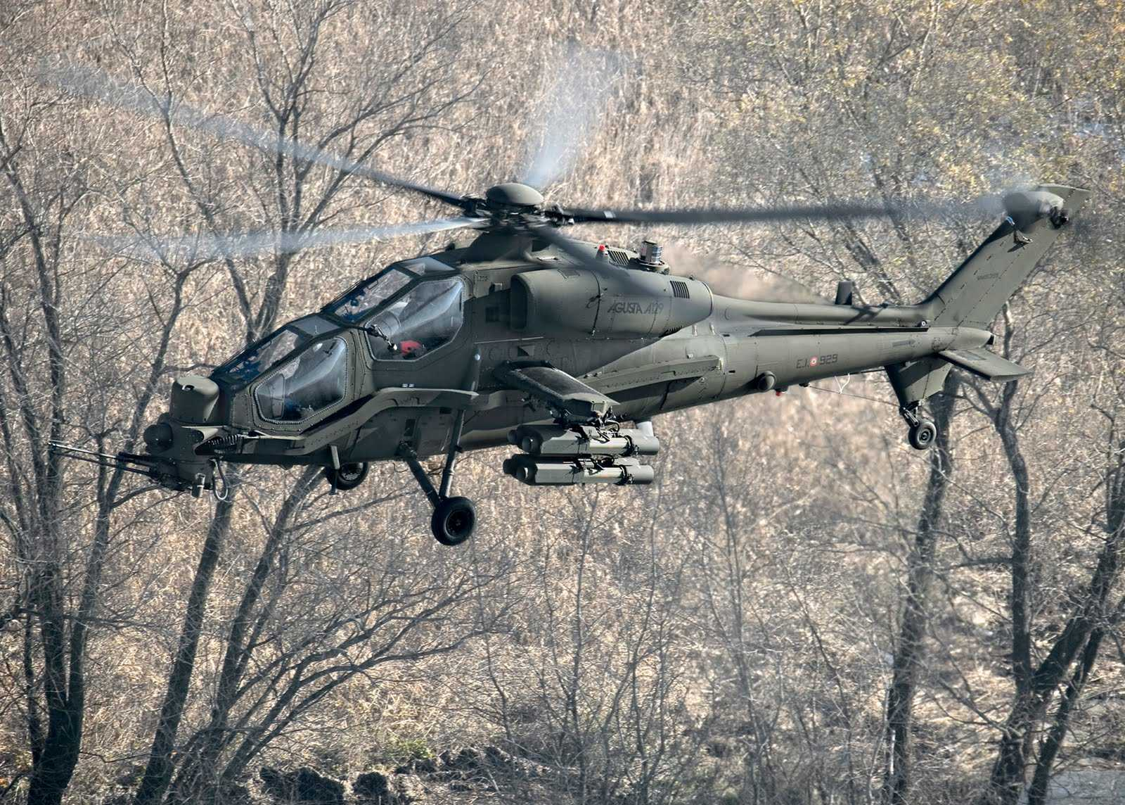 Ударный вертолет Agusta A129 Mangusta.