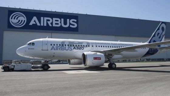 Самолет Airbus A320neo