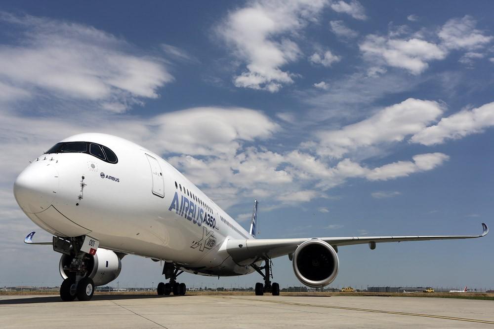 Дальнемагистральный самолет A350.