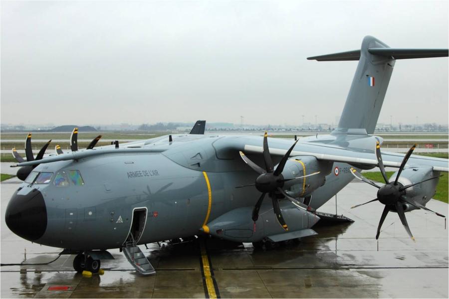 """Военно-транспортный самолет А400М Atlas  """"Ville de Toulouse""""."""