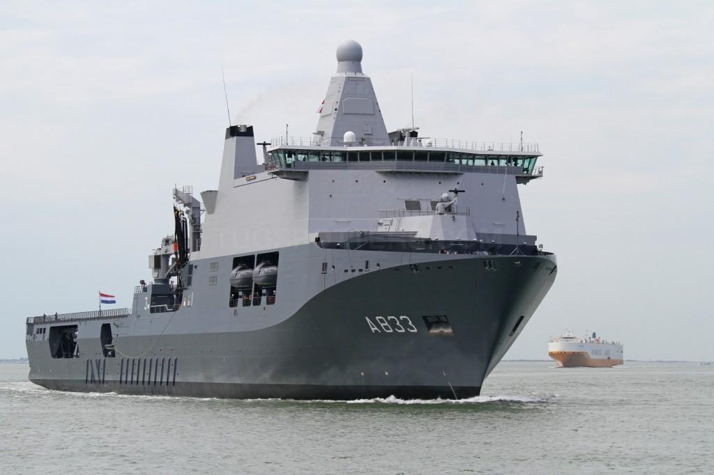 Голландский многоцелевой корабль А 833 Karel Doorman на этапе испытаний. 06.07.2014.
