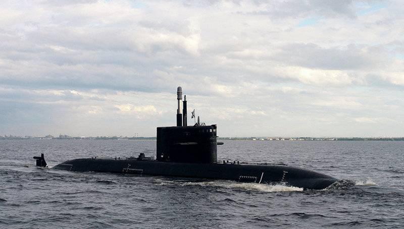 Подводная лодка проекта 677 (шифр «Лада»).