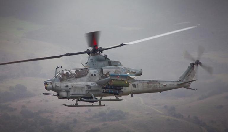 Боевой вертолет Bell AH-1Z Viper Корпуса морской пехоты США.
