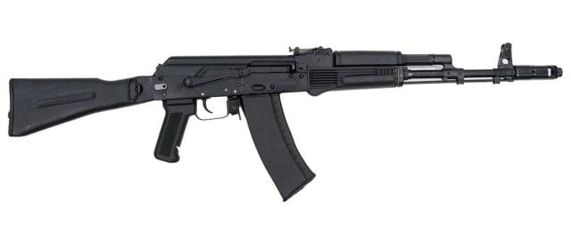 АК-74М: калибр — 5,45 мм, длина — 943/700 мм, вес — 3,4 кг, магазин — 30 патронов, практическая скорострельность — 30–100 выстрелов в минуту.