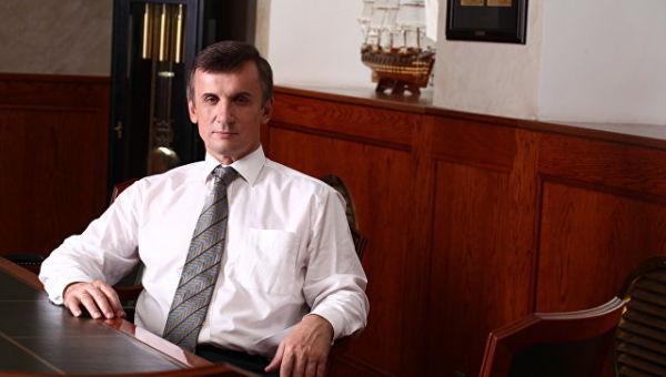 Александр Бузаков