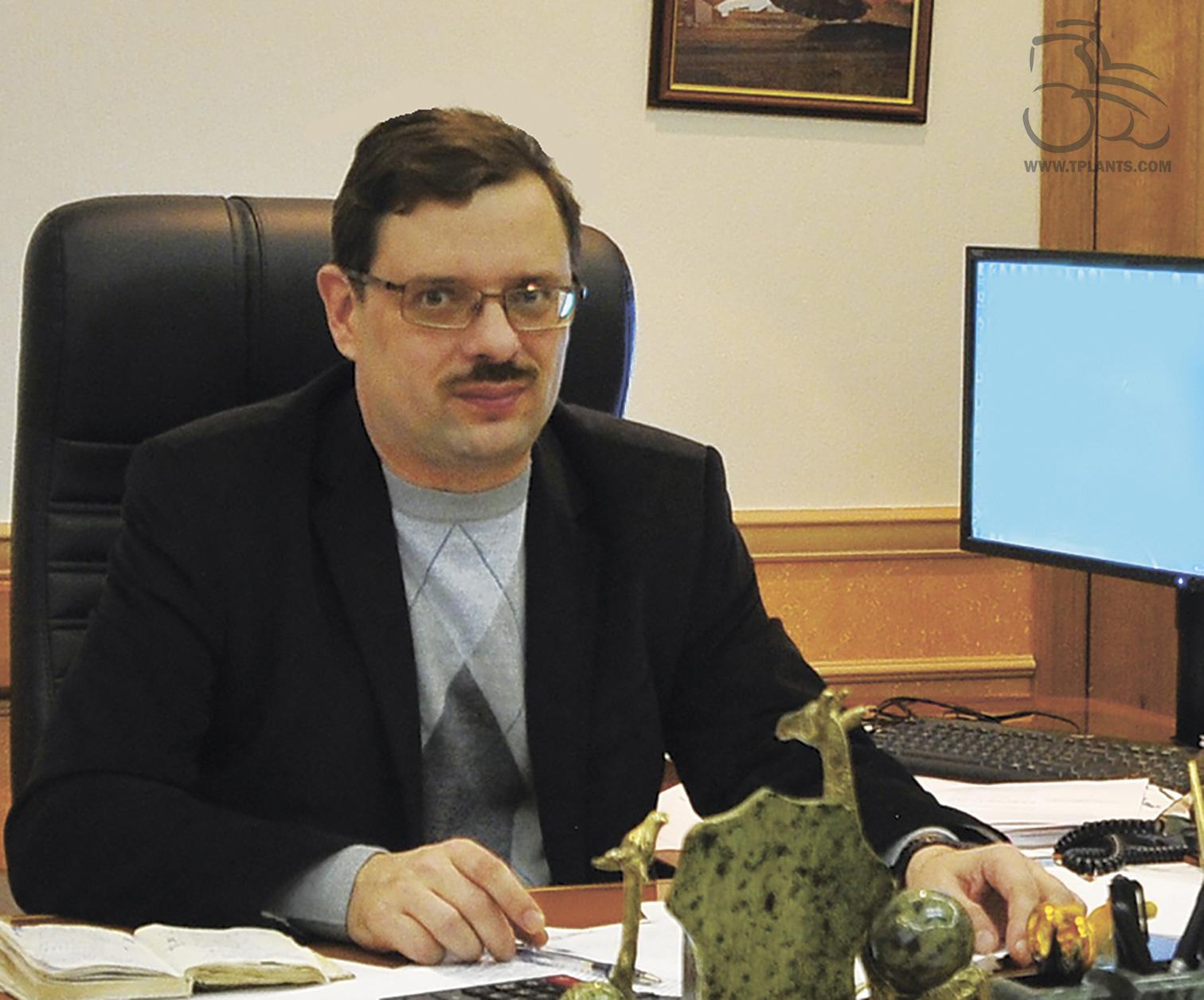 Директор по науке - главный конструктор ОАО «НИИ стали» Михаил Олегович Алексеев.